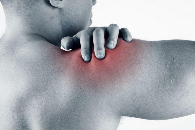 Растяжение связок плечевого сустава: симптомы и лечение