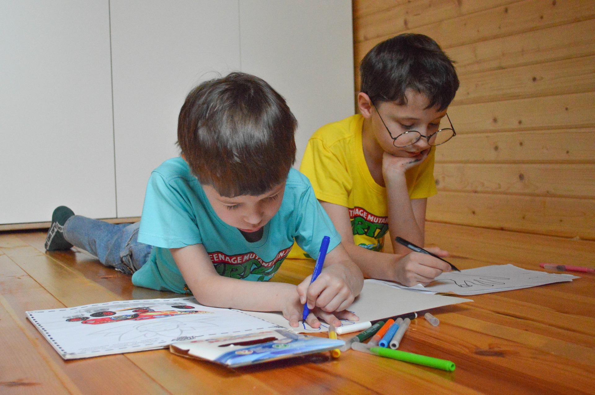 Как обеспечить безопасность ребенка в доме